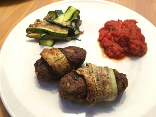 lammkebabs aus rindfleisch im zuccinimantel